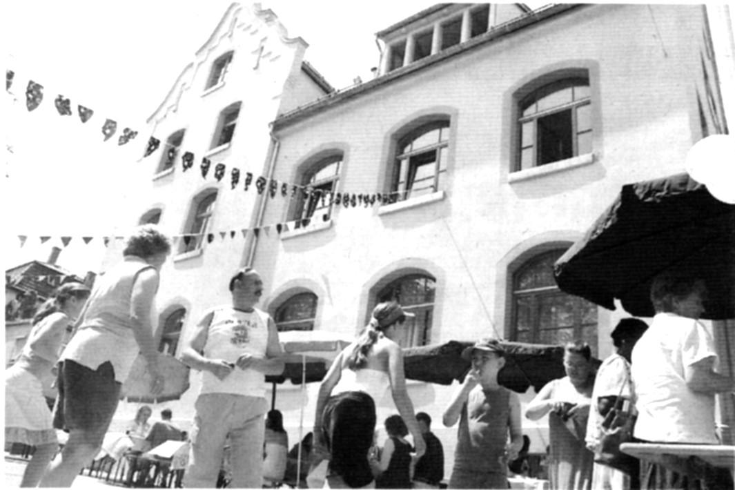 zeitungsfoto-100jahre-hort