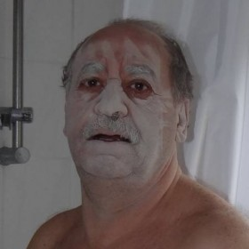 kueche-schlitze-dino