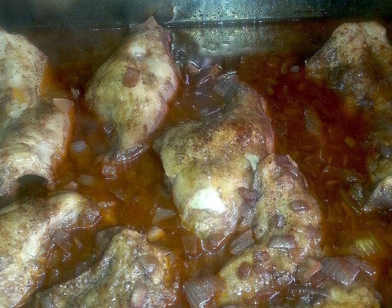 Endlich essen: Kaninchen, Klöße, für mich Rotkohl, und Soße... leeeeeecker sag ich nur.